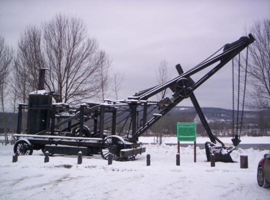 Ceal Tingley Memorial Park-Heritage Corner - Steam Shovel